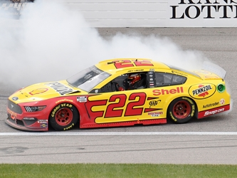 *Preorder* Joey Logano 2020 Shell / Pennzoil Kansas 10/18 Playoff Race Win 1:24 Nascar Diecast Joey Logano, Race Win, Nascar Diecast,2021 Nascar Diecast,1:24 Scale Diecast,pre order diecast
